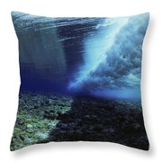 Underwater Wave - Yap Throw Pillow