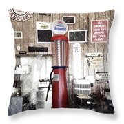 Us Route 66 Smaterjax Dwight Il Gas Pump 01 Pa 01 Throw Pillow