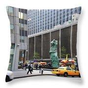 New York's Venus De Milo Throw Pillow