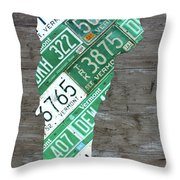 Vermont License Plate Map Art Edition 2017 Throw Pillow