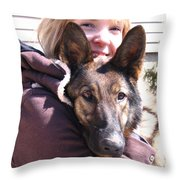 Vero Et Foxy Throw Pillow