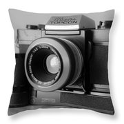 Vintage Camera C20h Throw Pillow