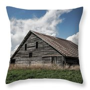 Way Of Life - Weathered Barn In Kansas Throw Pillow