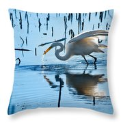 White Egret At Horicon Marsh Wisconsin Throw Pillow