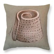 Whorl - Shell With Polka Dot Pattern - Sketch Throw Pillow