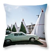 Wigwam Motel Classic Car #3 Throw Pillow