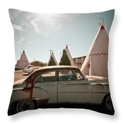 Wigwam Motel Classic Car #8 Throw Pillow