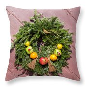 Williamsburg Wreath 54 Throw Pillow