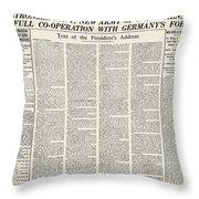 World War I: Declaration Throw Pillow