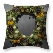 Williamsburg Wreath 21b Throw Pillow