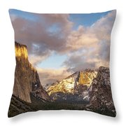 Yosemite Tunnel View Sunset In Winter Throw Pillow