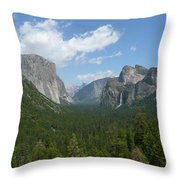 Yosemite's Inspiration Point Throw Pillow