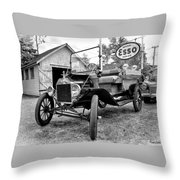 1915 Ford Model T Truck Throw Pillow