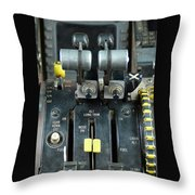 China Southern Md-82 Throttle Throw Pillow