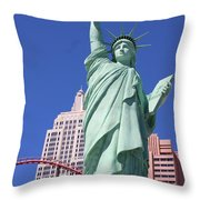 Statue Of Liberty Replica In Las Vegas Throw Pillow