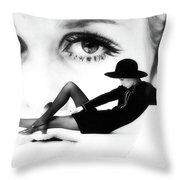 Twiggy Swinging 60's - Pop Art Throw Pillow