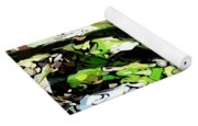 Abstraction Green And White Yoga Mat