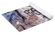 Fight Back - Berlin Wall Yoga Mat