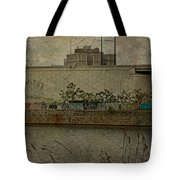 Across The Schuylkill River In Philadelphia - Pennsylvania - Usa Tote Bag
