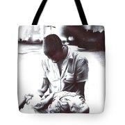 Children Should Not Die ... Tote Bag