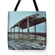Old Barn In The Snow Tote Bag
