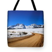 Open Road Tothe Sawtooth Mountains Tote Bag