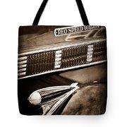 1935 Reo Speed Wagon 6ap Pickup Emblem Tote Bag