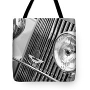 1939 Aston Martin 15-98 Abbey Coachworks Swb Sports Grille Emblems Tote Bag