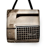 1972 Oldsmobile Grille Emblem Tote Bag