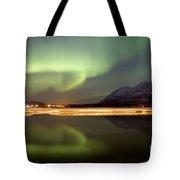 Aurora Borealis Over Nares Lake Tote Bag