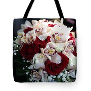 Bouquets Of Flowers For The Bride To The Wedding Tote Bag