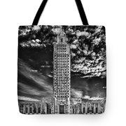 Capitol Building Of Louisiana Tote Bag