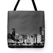 Chicago Skyline At Night In Black And White Tote Bag