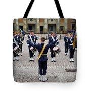 Guards Changing Shifts. Kungliga Slottet.gamla Stan. Stockholm 2 Tote Bag
