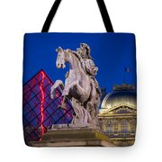 Musee Du Louvre Statue Tote Bag