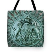 Royal Lion And Unicorn Coat Of Arms On The Gate Of The Wellington Arch At Hyde Park Corner London Tote Bag