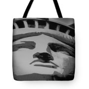 Statue Of Liberty In Black And White Tote Bag