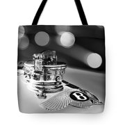 1931 Bentley 4.5 Liter Supercharged Le Mans Hood Emblem -1122bw Tote Bag