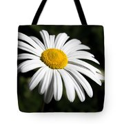 Daisy In The Garden Tote Bag