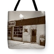 Route 66 - Rusty Mobil Station Tote Bag