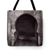 Street In Historic Albaycin In Granada Tote Bag