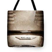 1956 Austin-healey 100m Bn2 'factory' Le Mans Competition Roadster Hood Emblem Tote Bag