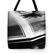 Chevrolet Chevelle Ss Grille Emblem Tote Bag