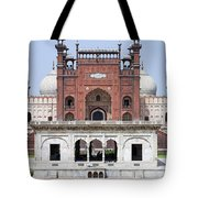 Badshahi Mosque In Lahore Pakistan Tote Bag