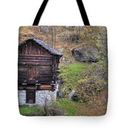 Old Rustic House Tote Bag