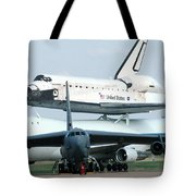 747 Transporting Discovery Space Shuttle Tote Bag