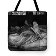 A King's Repose Tote Bag