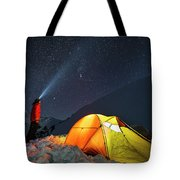 A Single 30-second Exposure Shows Tote Bag