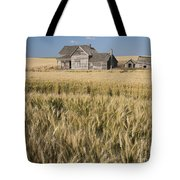 Abandoned Farmhouse In Wheat Field Tote Bag