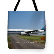Airbus A330 Tote Bag